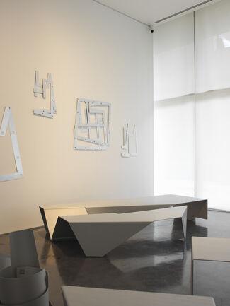 Ayşe Erkmen - Kıpraşım Ripple, installation view