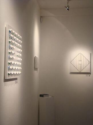La luce lavora per me - Luis Tomasello, installation view
