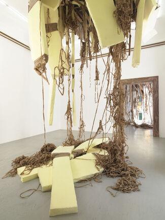 Thomas Hirschhorn - Break-Through, installation view