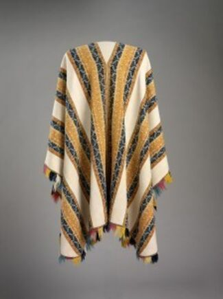 BALANDRÁN PONCHOS FROM THE GILES MEAD COLLECTION, installation view