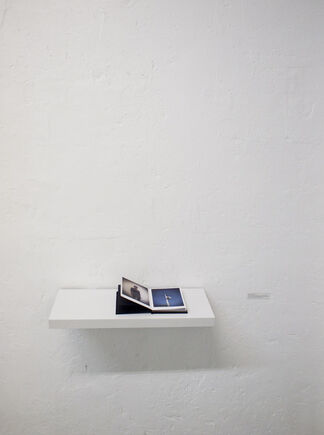 A L'OUEST RIEN DE NOUVEAU solo show EMERIC LHUISSET, installation view