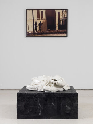 Reza Aramesh: Friday April 25, 2003 at 07:55, installation view