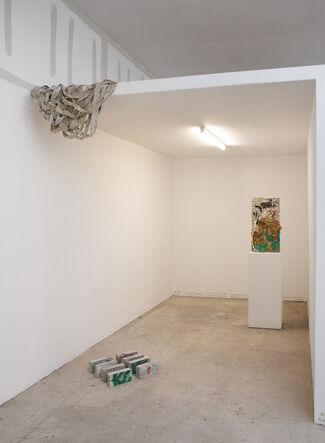 Lean-Twos, installation view
