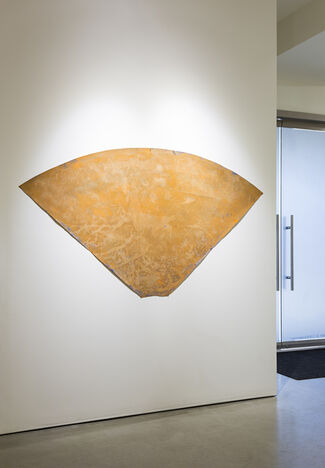 MANNY FARBER: Paper Paintings 1967 - 1975, installation view