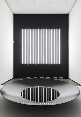 Carsten Nicolai: reflektor distortion, installation view