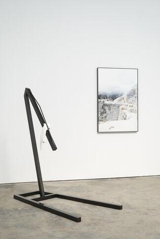 Devin Farrand - Heft, installation view
