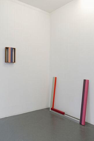 Sérgio Sister: Pintura com sombra e ar, installation view
