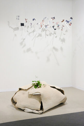 Galerie Jocelyn Wolff at Art Basel 2018, installation view