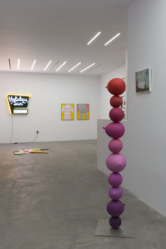 Alice in Crisis, installation view