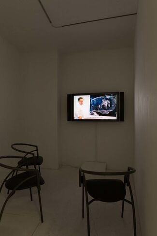Vik Muniz : SMALL, installation view