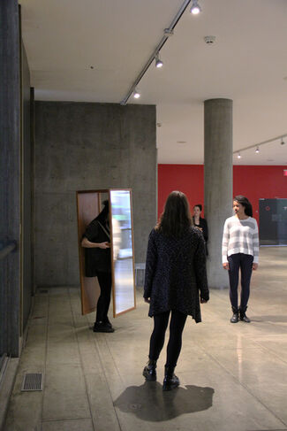 Josiah McElheny: Two Walking Mirrors for the Carpenter Center, installation view