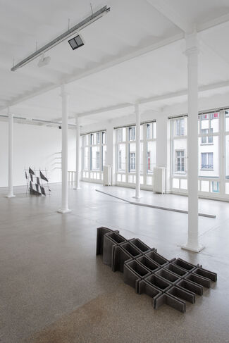 Valerie Krause - forming space / spacing form, installation view