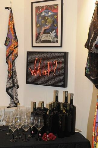 Visionary Fashion, installation view