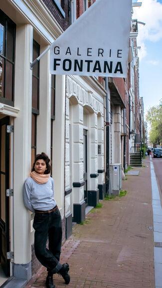 Julia Aurora Guzmán: How To Hold, installation view