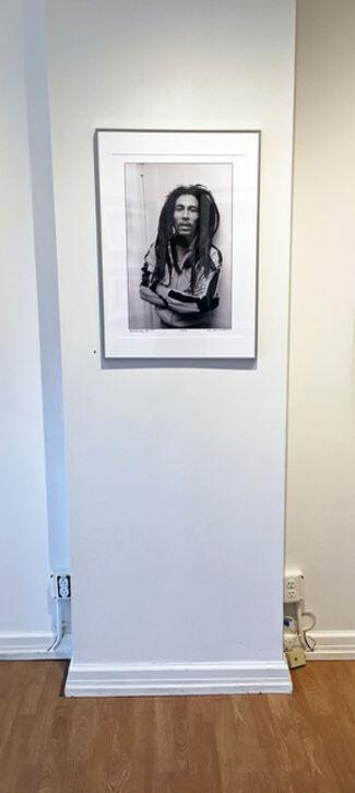 Allan Tannenbaum: Grit and Glamour, installation view