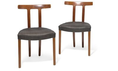Ole Wanscher, 'T-Chair. A pair of mahogany chairs. Seat upholstered with black/brown horsehair with black leather edgings.'