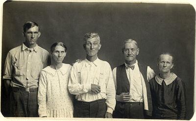 Mike Disfarmer, 'Joe and Fanny Carr, Mose Harmon, and Bill and Julia Harlan', ca. 1930