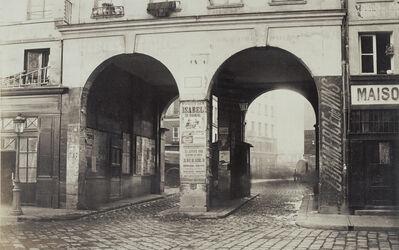 Charles Marville, 'Les Deux-Portes. Vue prise de la rue des Innocents vers la rue de la Ferronnerie.', 1865
