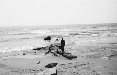 Uliano Lucas, 'Viareggio. Guardando il mare'