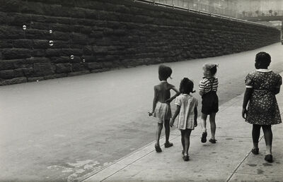 Helen Levitt, 'N.Y. (girls with bubbles).', 1980s