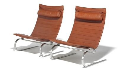 Poul Kjærholm, 'PK 20. A pair of lounge chairs with chromed steel frame. Seat, back and neckrest upholstered with reddish brown leather.'