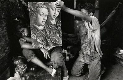Larry Towell, 'Gloria (pregnant) living in abandoned trailer, San Salvador City Dump, Soyapango', 1991