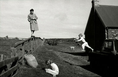 Linda McCartney, 'Paul, Stella and James, Scotland', 1982