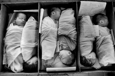 Larry Towell, 'Maternity Ward, San Salvador', 1991