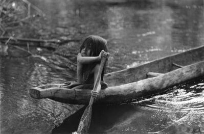 Valdir Cruz, 'Jovem Ingarikó Canoagem / Young Ingarikó Girl Canoeing Raposa Serra do Sol - RR - Brasil Ingarikó - series', 1996