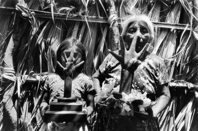 Graciela Iturbide, 'Manos ponderosas, Juchitán', 1986