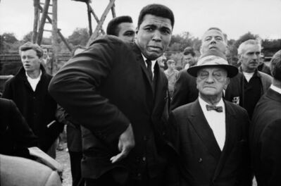 Thomas Hoepker, 'World heavyweight champion Muhammad Ali is scared by a bee while visiting a movie set, London', 1966
