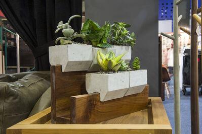 SOHO, 'Jardinera 5 concreto y parota', 2014