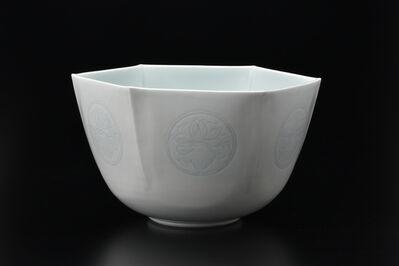 Manji Inoue, 'Engraved Seihakuji (blue white porcelain) Hexagon Pot', 2019