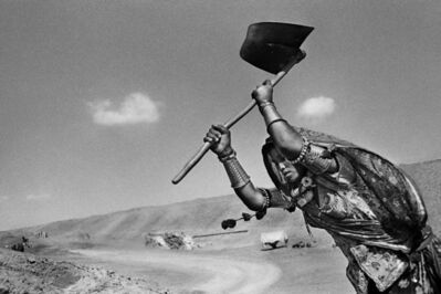 Sebastião Salgado, 'Worker on the canal construction site of Rajasthan, India.', 1990