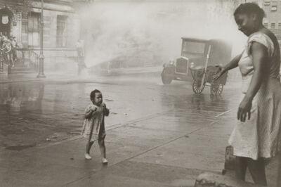Helen Levitt, 'N.Y. (mother and child)'