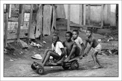 Evandro Teixeira, 'Boys on wooden stand in Morro da Mangueira ', 1975