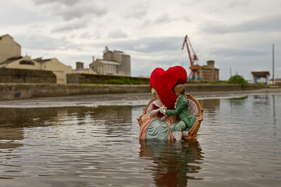 "Isaac Cordal, '""love is blind""', 2017"