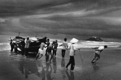 Sebastião Salgado, 'Vung Tau, Vietnam, 1995', 2021