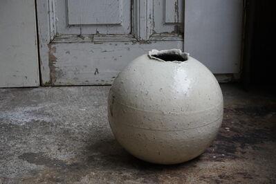 Shiro Tsujimura, '粉引丸壷小, Kohiki style round jar Large', 1990