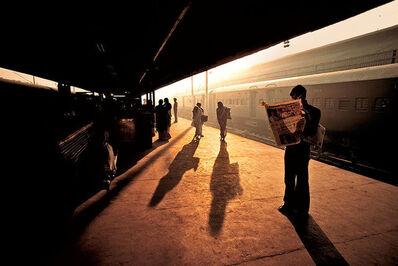 Steve McCurry, ' Train Platform at Old Delhi, India', 1983