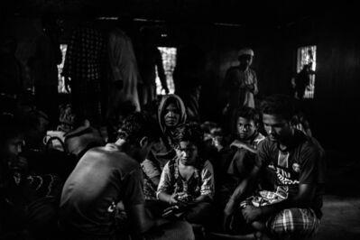Edouard Elias, 'Une famille réfugiée rohingya, de la communauté musulmane birmane opprimée, dans le camp de réfugiés de Cox's Bazar, Bangladesh, septembre 2017', 2019