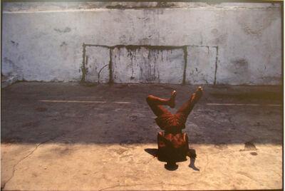 Miguel Rio Branco, 'Enfant la tête à l'envers', 1985
