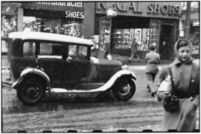 Elliott Erwitt, 'Fifth Avenue, Pittsburgh, Pennsylvania, December', 1950