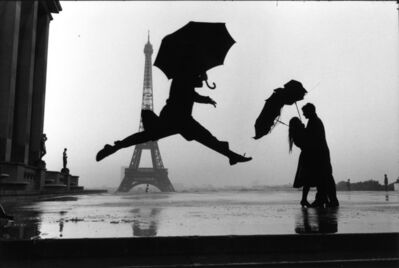 Elliott Erwitt, 'Paris, France (umbrella jump)', 1989