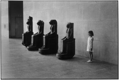 Elliott Erwitt, 'Metropolitan Museum, NYC', 1988