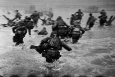 Robert Capa, 'US troops assault Omaha Beach during the D-Day landings. Normandy, France.', 1944