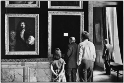 Elliott Erwitt, '10. France. Versailles. (Out for repair)', 1975