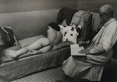 Brassaï, 'Matisse dessinant un nu allongé à Paris, Villa d'Alésia (Matisse drawing a reclining model, Villa d'Alésia, Paris)', 1939