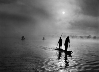 Sebastião Salgado, 'Waura people fishing in the Piulaga Lake. Upper Xingu, Mato Grosso, Brazil.', 2005
