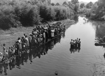 Marion Post Wolcott, 'Congregation of Primative Baptist Church Gathers for Baptizing, Kentucky', 1940